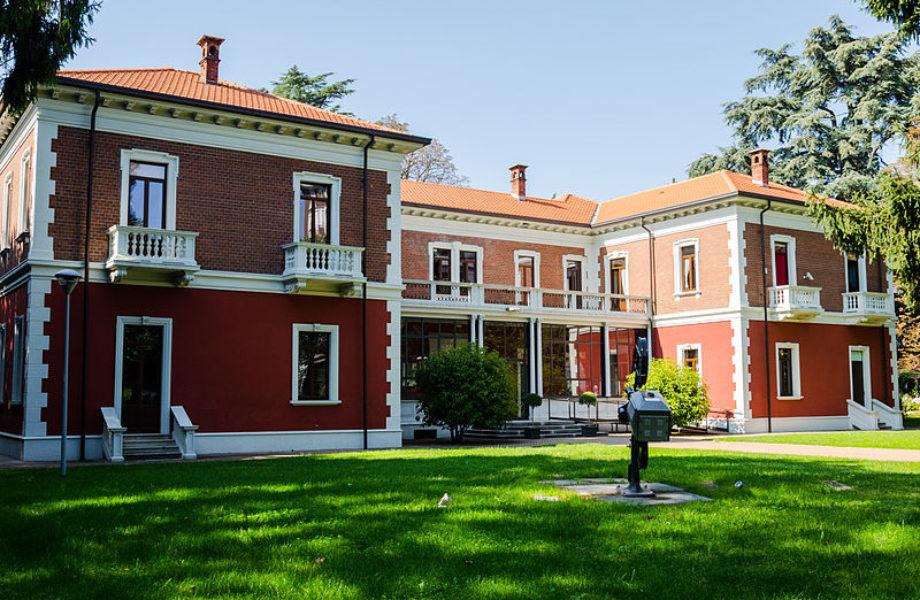 800px-Istituto_Michelangelo_Antonioni_In_Villa_Calcaterra
