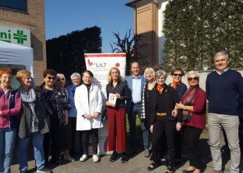 Lilt alla farmacia 5 mulini di San Vittore con Sindaco e salmoiraghi fuori