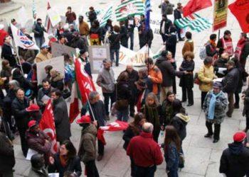 A Varese il presidio antifascista dei Sindacati Cgil Cisl Uil ed Anpi Provinciale