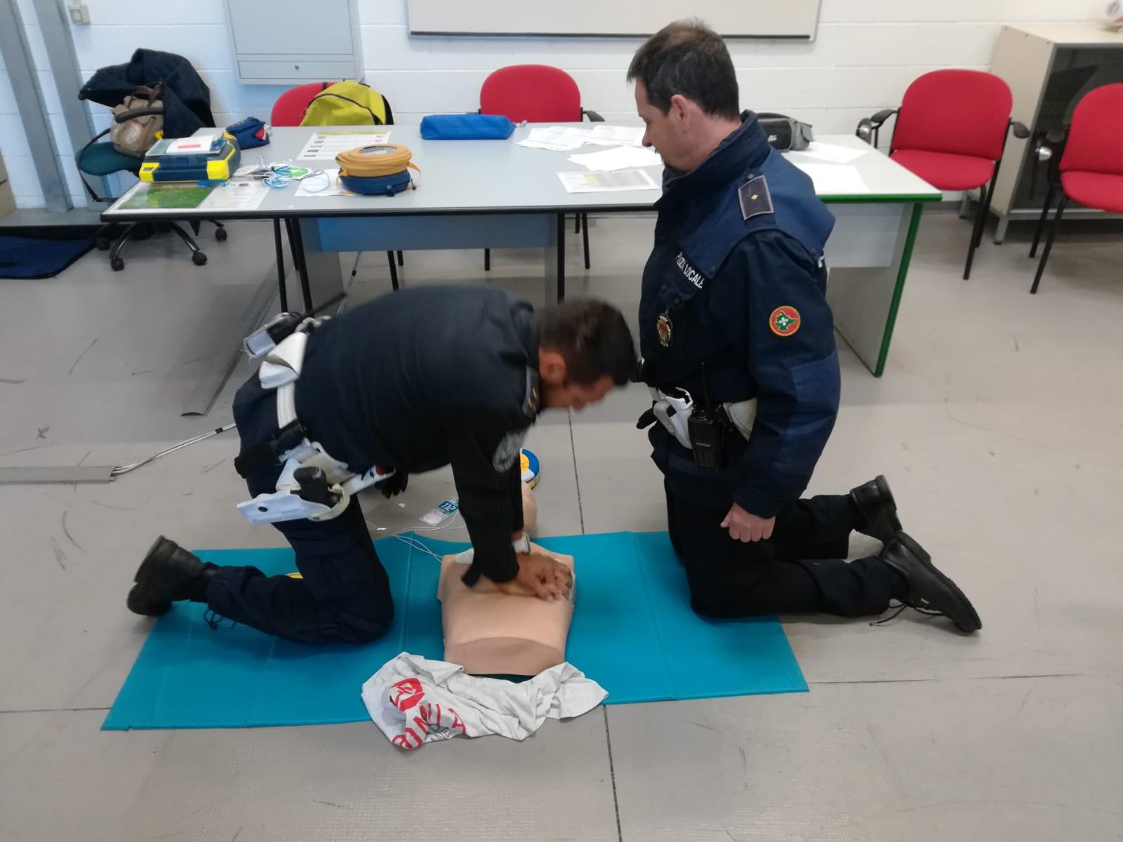 Corso Defibrillatore Polizia Locale - Busto Arsizio (2)