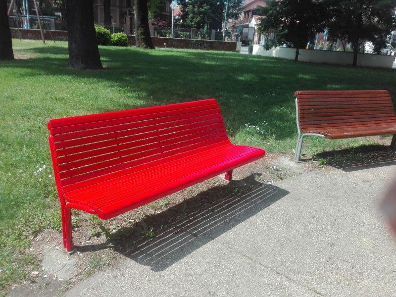 panchina rossa Pero