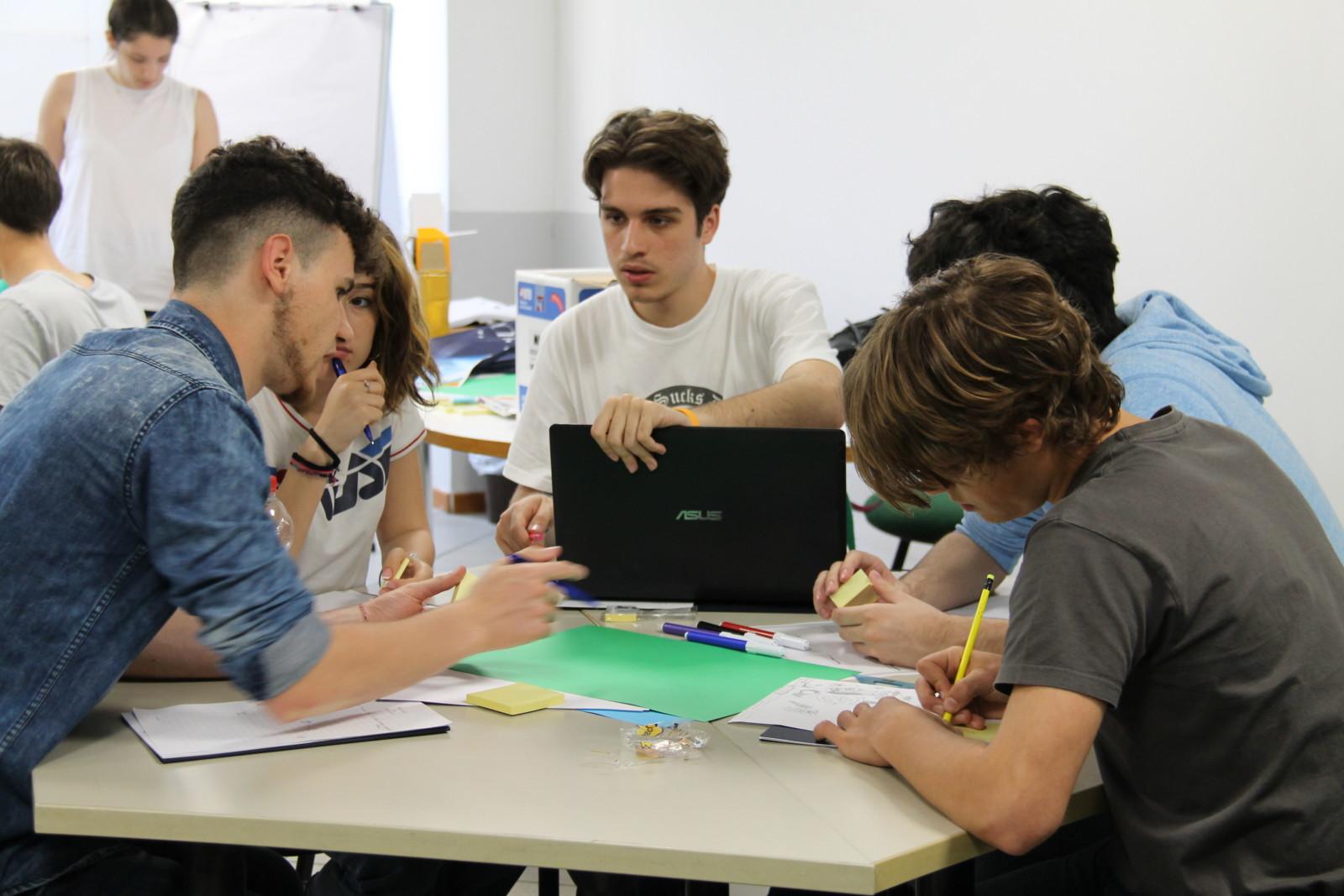 studenti al lavoro