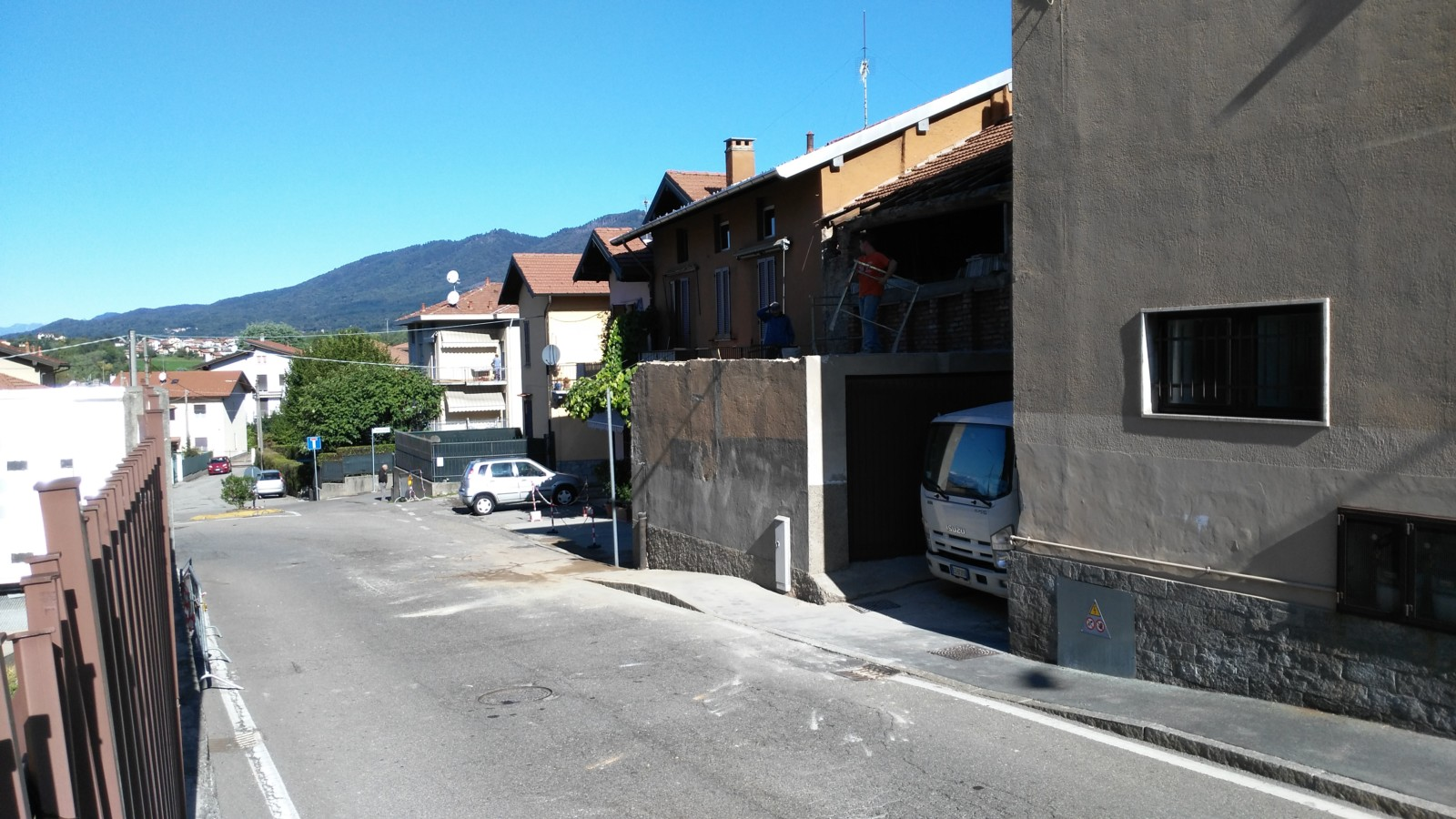 via Dezza Varese