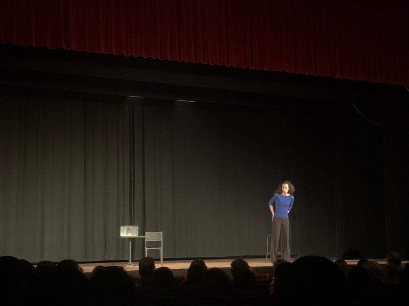"""Debutto al Teatro Sociale Delia Cajelli di Francesca Puglisi con """"Non è Francesca – storie di ordinaria contraddizione"""""""