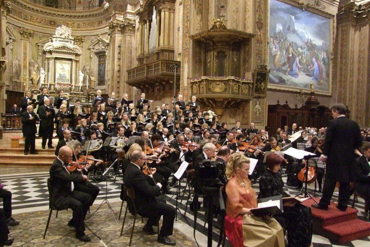 Orchestra amadeus concerto di Rho on Line 01