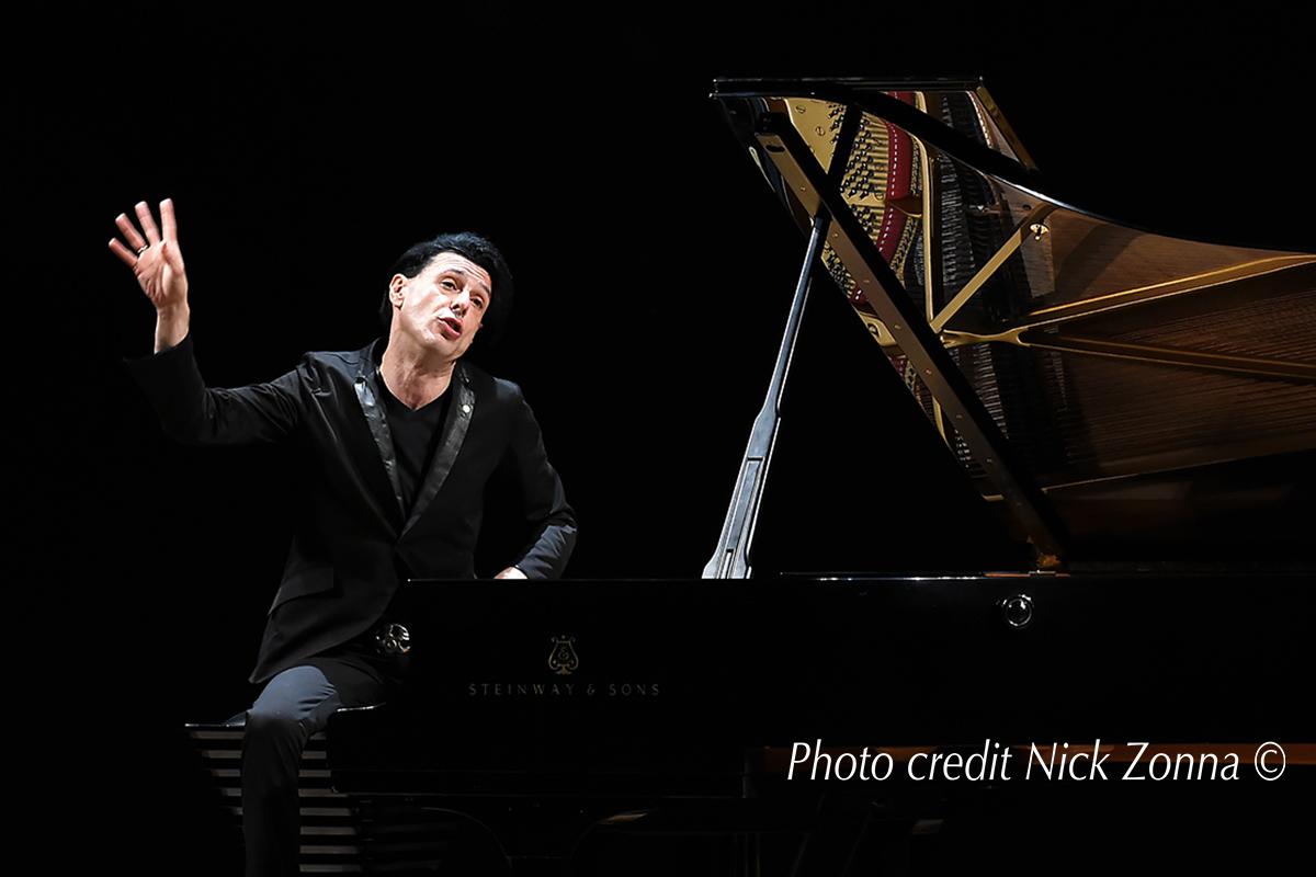 Addio a Ezio Bosso, il pianista che aveva commosso tutti