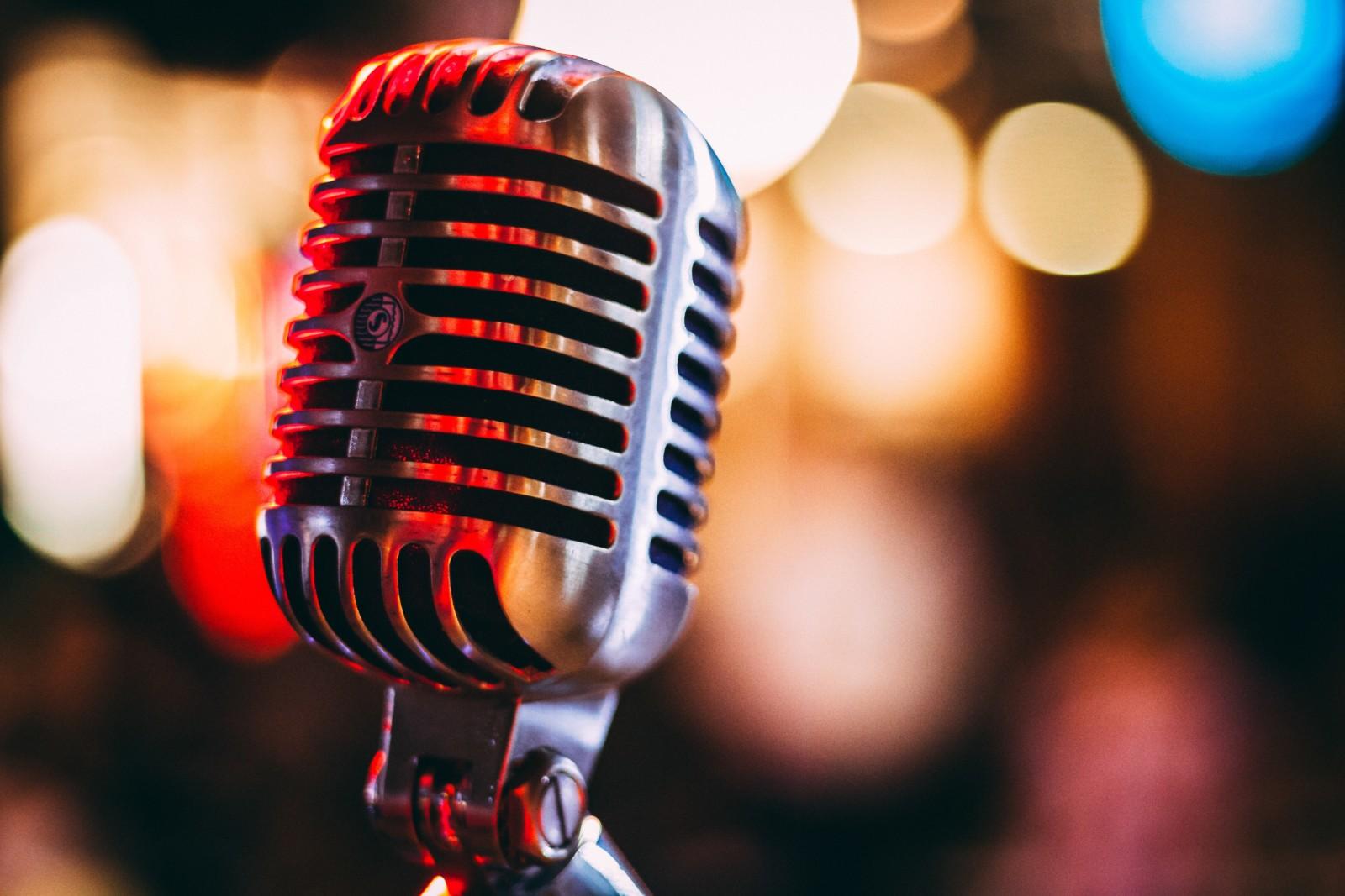radio - microfono - musica - spettacolo