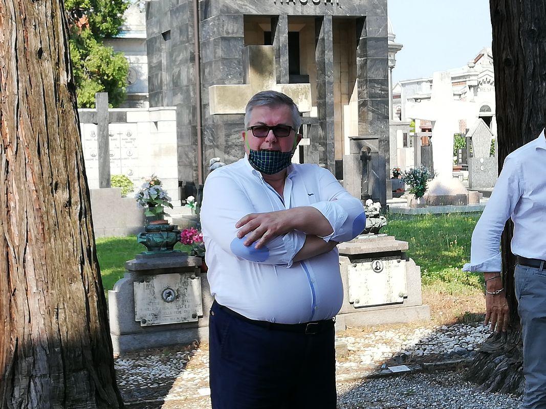 sanificazione del cimitero