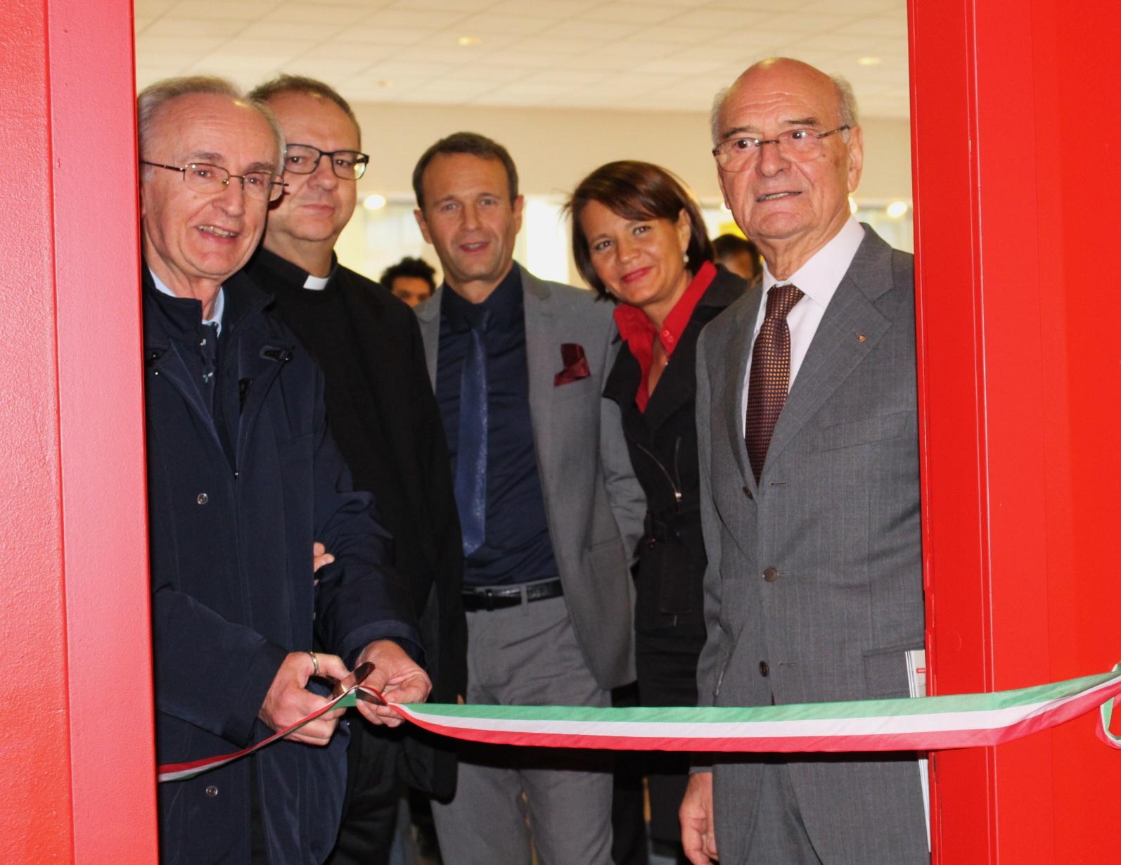 Roberto con Pietro elisabetta all'inaugurazione