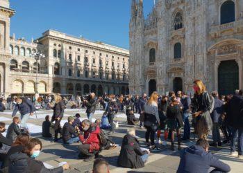 protesta manifestazione Fipe Confcommercio Milano (1)