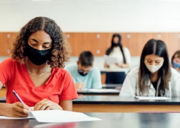 studenti-scuola copertina