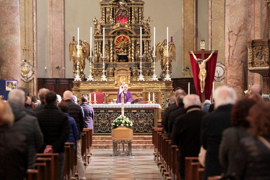 funerale massimo banfi (7)