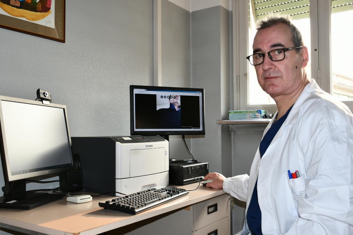 il dottor Isidoro La Spina, Responsabile della Neurologia degli Ospedali di Busto Arsizio e Gallarate