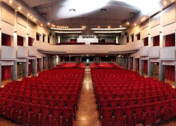 I teatri vanno riaperti