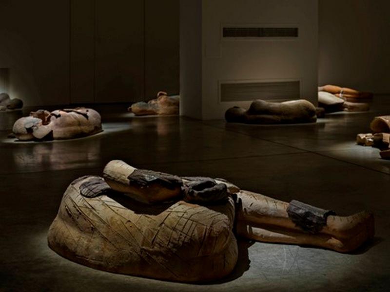 I dormienti Mimmo Paladino Cardi Gallery