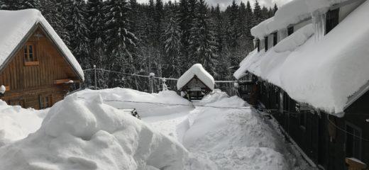 Snehová kalamita zasiahla aj expozície Oravského múzea