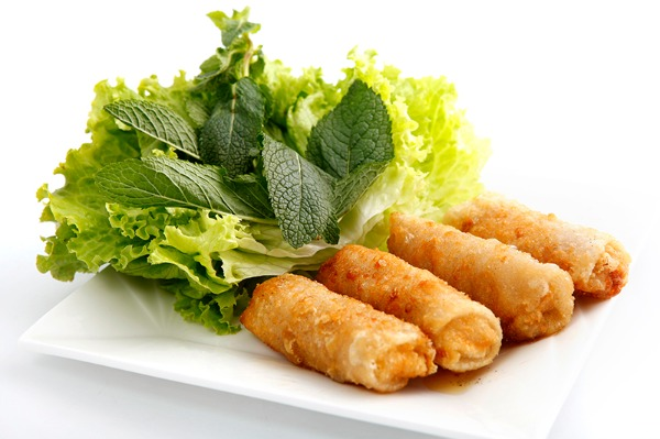 Spring rolls with chicken 鸡肉春卷