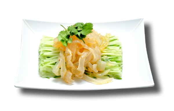 Jellyfish seasoned with cucumbers 黄瓜拌蛰皮