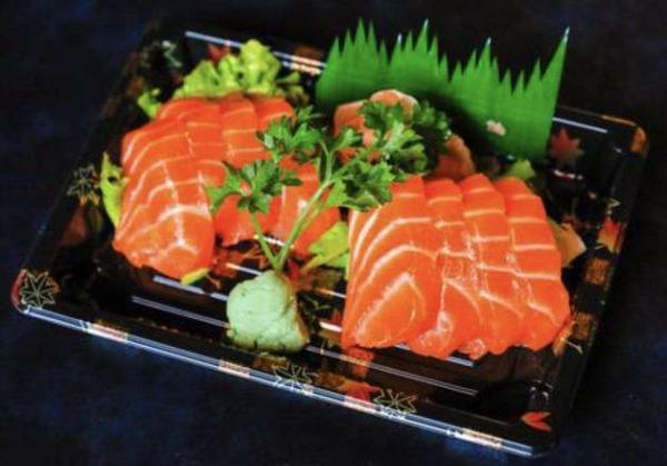 J9. 8 Sashimi saumon