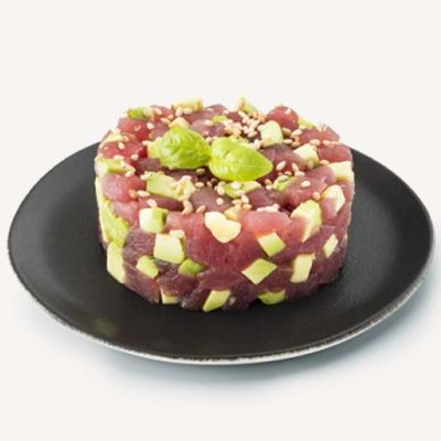 E14 Tartare de thon(avocat, pomme, mangue avion,mini concombre, kiwi gold)