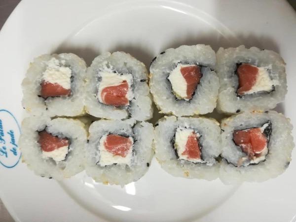 California saumon chesse 8pcs