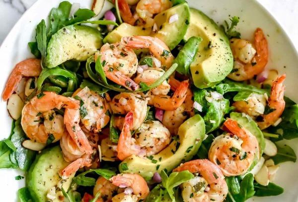 Salade de choux avocat crevette