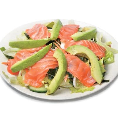 Salade de choux avocat saumon